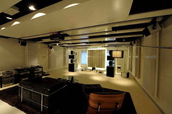 showroom-goldmund-honk-kong-3