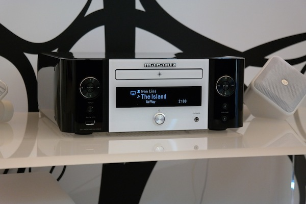Marantz-Melody Stream Media lifestyle-2