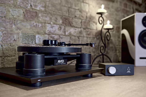 test platine vinyle avid ingenium du haut de gamme au redoutable rapport qualit sur prix on mag. Black Bedroom Furniture Sets. Home Design Ideas