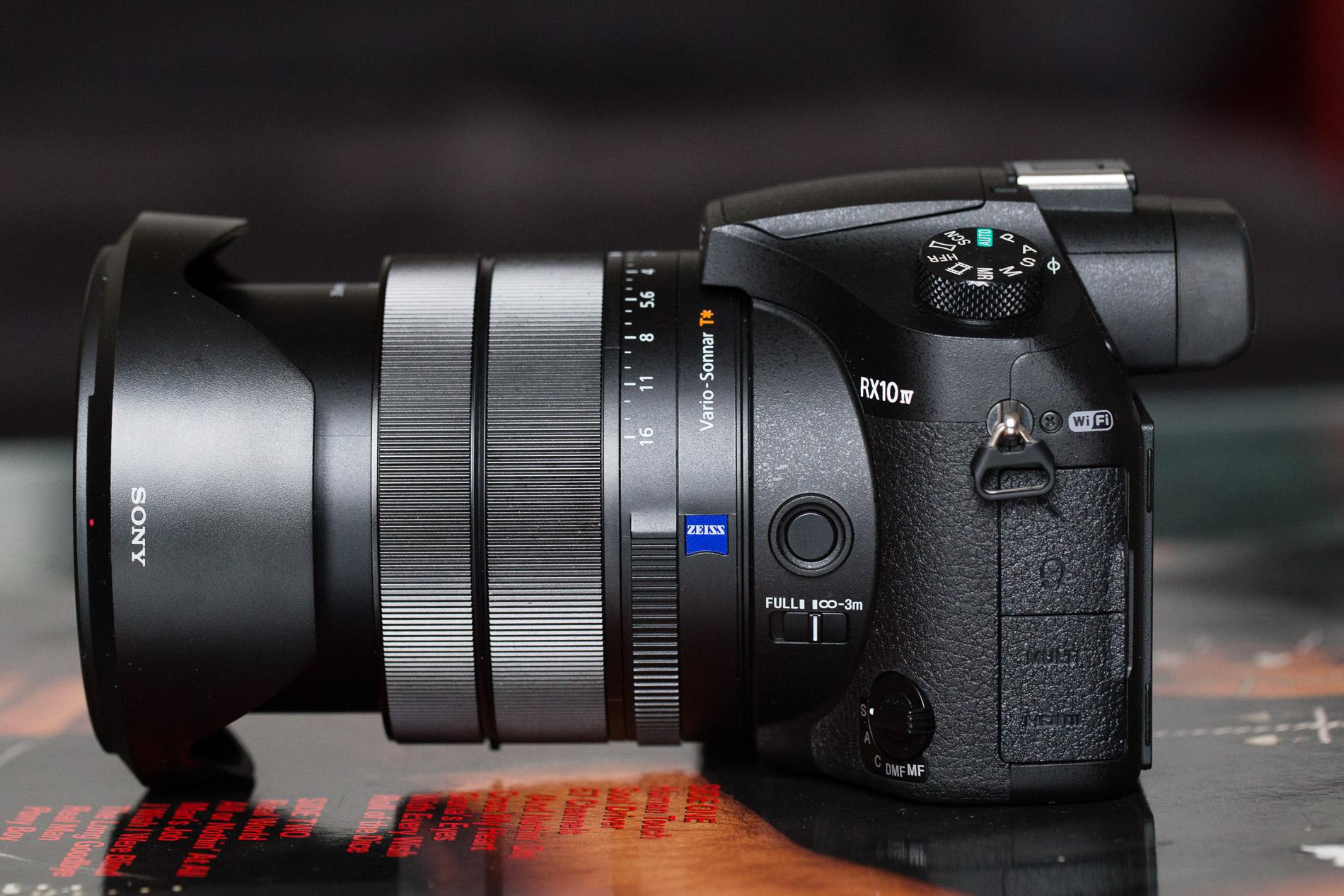 Sony Rx10v