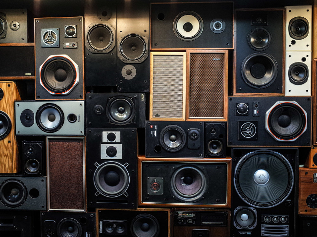 vancouver speaker wall
