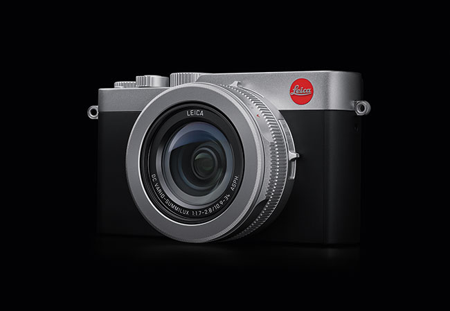Leica D Lux7 on black.LoRes