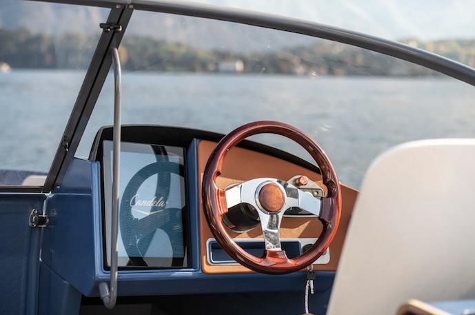 Candela C7 electric pleasure boat flying foil 02